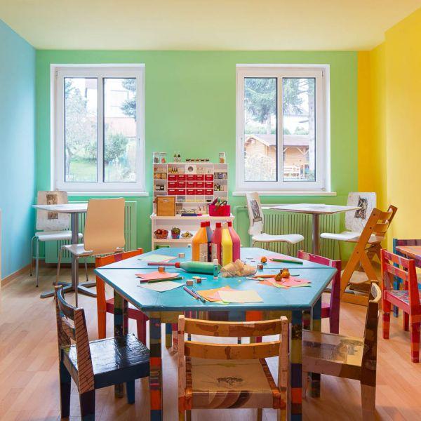 5ced8a8fa595cd Es gibt viele Kindergärten, aber nur eine Kindergruppe mit einem ...